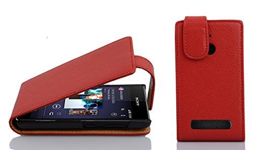 Cadorabo Hülle für Sony Xperia E1 Hülle in Inferno Rot Handyhülle aus Strukturiertem Kunstleder im Flip Design Hülle Cover Schutzhülle Etui Tasche Inferno-Rot