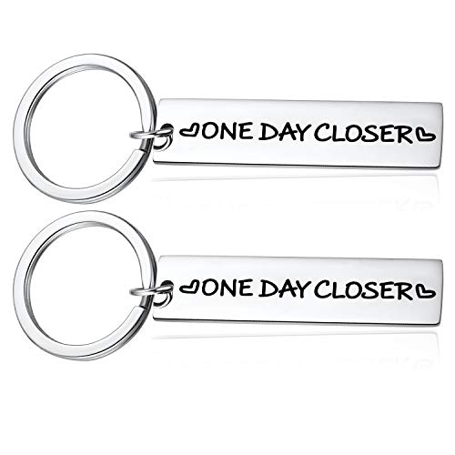 Deployment Gift, Long Distance Relationship Gifts - 2PCS One Day Closer Keychains Best Valentines Gifts Family Best Friend Loved One
