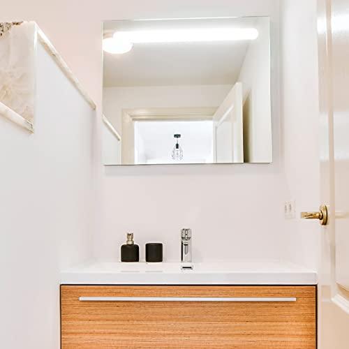 Espejo de baño modelo Londres de 80x70 cm con luz LED integrada de 6w. Luz blanca y brillante (5700 K) de eficiencia energética A+.