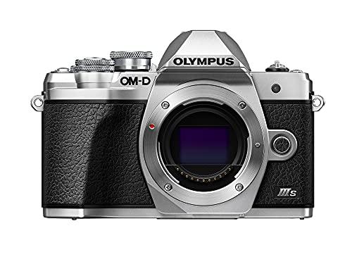 Fotocamera Olympus OM-D E-M10 Mark III S, sensore da 16 MP, stabilizzazione dell'immagine integrata a 5 assi, schermo LCD inclinabile ad alta definizione, 4K, Wi-Fi, mirino elettronico, argento