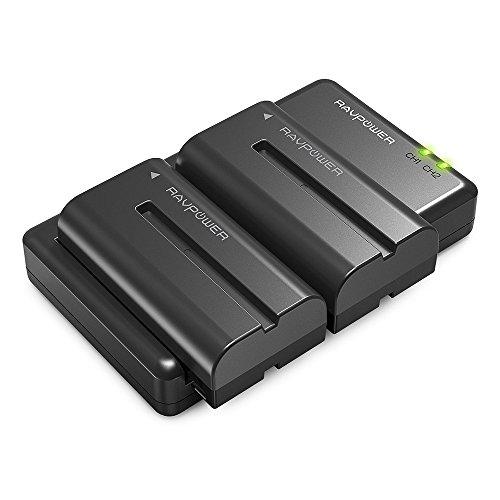 Sony NP-F550 RAVPower Doppio Caricatore con 2 Batterie di Ricambio da 2900mAh, Compatibile al 100% Con Fotocamera Sony Originale delle serie NX5 / TRV1 / TRV3 and TRV9E / 46E / 49E