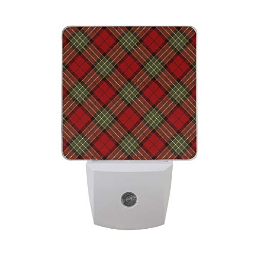 AOTISO 2er Pack Frohe Weihnachten Plaid Check Grün Rot Nachtlicht Dämmerung bis Morgendämmerung Sensor Plug in Night Home Decor Schreibtischlampe