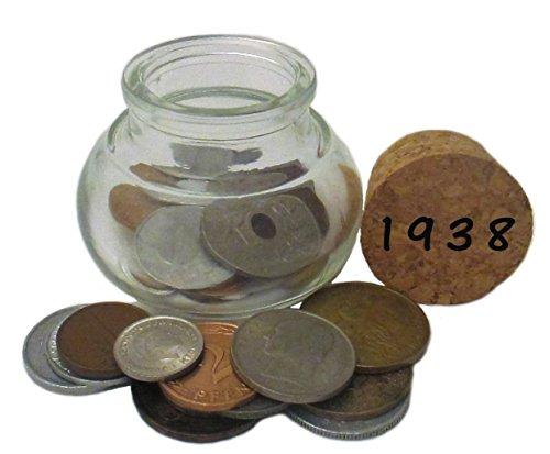 WallaBundu Geschenkidee zum 82. Geburtstag - EIN schönes Glas mit ca. 12 Münzen von 1938 - Echte Münzen aus dem Umlauf und EIN Taschenkalender als Nachdruck. Nostalgie …