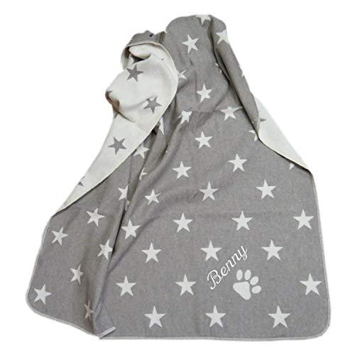 Fussenegger Haustierdecke mit Wunsch-Name bestickt 100 cm x 140 cm Sterne allover rauch grau Hundedecke mit Namen personalisiert