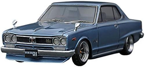 Ignition model 1   43 Nissan Skyline 2000 GT-x (KGC10) lumière bleu