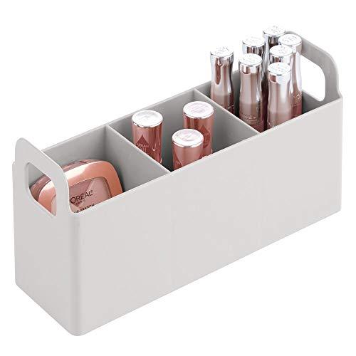 mDesign Organizador de maquillaje con asas para estante de baño – Práctico contenedor plástico con 3 divisiones para maquillaje y pintaúñas – Caja con compartimentos de plástico sin BPA – gris claro