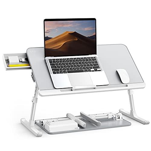 Tisch Bett, SAIJI 100% E0 Eco Holzplatte, Laptoptisch Höhe Winkel verstellbar , Rodelfüße leicht bewegen, PVC-Leder Desktop, Laptop Tisch für Lesen Essen Sofa Bett Couch (Grau 60*32cm)
