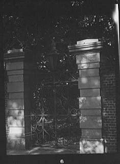 1920 photo Wrought iron gate, New Orleans or Charleston, South Carolina vin l611