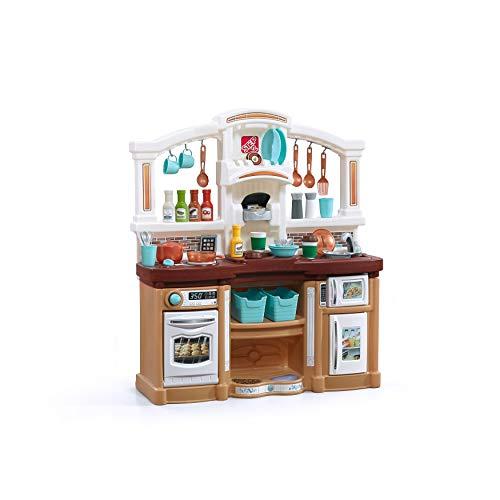 Step2 Fun with Friends Kitchen Spielküche in Braun   Spielzeugküche für Kinder mit 40 teiligem Zubehör Set inkl. u.a. Geschirr & Töpfe   Kinderküche aus Kunststoff / Plastik