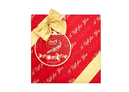 Lindt LINDOR Milk Chocolate Truffle Wrapped Gift Box , 287g - Perfect for Sharing and Gifting - Chocolate Balls with a Smooth Melting Filling