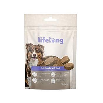 Marque Amazon - Lifelong - Friandises pour chiens, riches in protéines - sélection mixte : agneau, canard, dinde et bœuf (8 pack x 300gr)