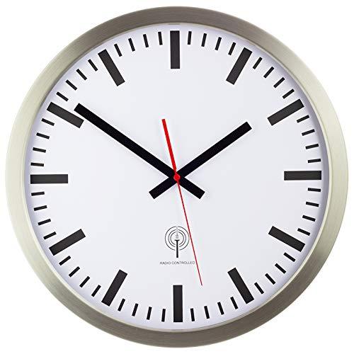 Eurotime Funkwanduhr, 40 cm, Edelstahlgehäuse Silber, Echtglas, Bahnhofszifferblatt, automatische Zeitein- und Zeitumstellung, Wanduhr für Wohnbereich oder Büro, rote, nur für Innen, 56862-07
