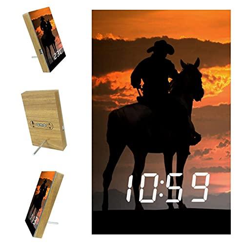 Indimization Reloj Despertador Digital Hombre al Atardecer a Caballo LED Pantalla Reloj Alarma Inteligente Puerto de Carga USB Función Snooze Alarma 6.2x3.8x0.9 in