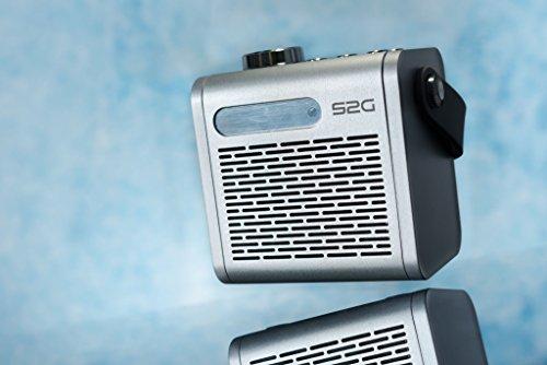 S2G SIXTIES von SOUND2GO – Retro-Bluetooth®-Lautsprecher mit 4 W Ausgangsleistung, FM-Radio, Equalizer, Micro-SD Slot, Tragegriff und Fernbedienung - silber