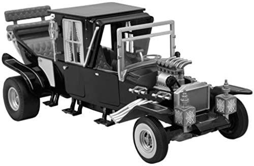 Diamond Select Toys The Munsters Koach Electronic Vehicle, schwarz and Weiß, Scale 1 15 by Diamond Select