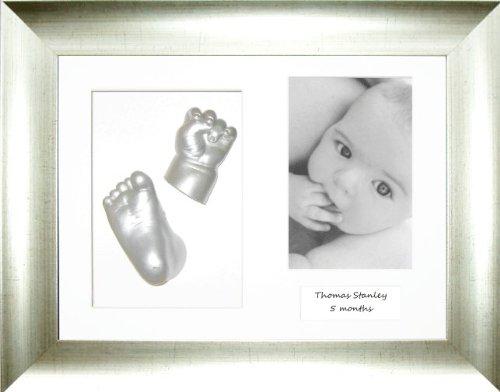Anika-Baby Kit de moulage pour bébé Cadre 3 ouvertures Argenté ancien/moulages pied et main blanc/argenté