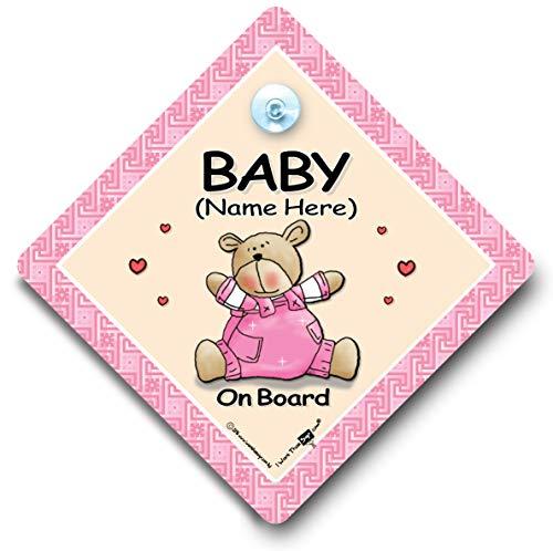 Baby On Board Schild Pink Bär Quilt Personalisierter Autoaufkleber, personalisierbar, Baby on Board Schild, Custom Baby on Board, Schild, We 'll Name zu ihr Persönliches On Board, Schild, personalisierbar, Baby on Board Zeichen, personalisierbar KFZ