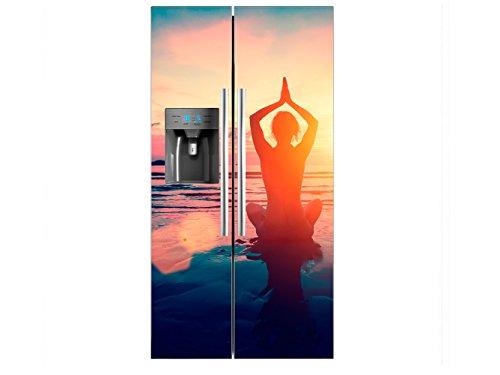 Vinilo Frigorífico Americano Chica Practicando Yoga Orilla Palya | 91X176cm | Varias Medidas | Pegatinas de Nevera Económicas y Elegantes | Vinilo Nevera