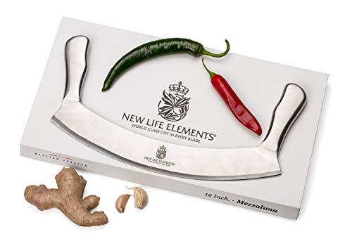 Mezzaluna Messer- und Pizzaschneider, 30,5 cm, ist ein toller Salatschneider. Hat eine Sicherheitsklingenabdeckung & Geschenk-Box. Pizza-Messer & Pizzaschneider ist einfach zu bedienen. FDA-genehmigt.