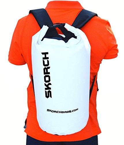 Skorch - Zainetto impermeabile 30 litri, con spallacci imbottiti, per proteggere il contenuto da acqua e sporco mentre ci si diverte