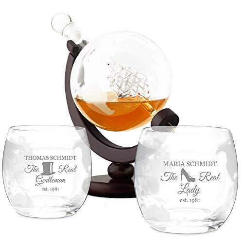 Murrano Whisky Karaffe mit Gravur - Globus mit Schiff, 850 ml - 2er Whiskygläser Set - Whisky Dekanter - personalisiert - The Real Lady & Gentleman