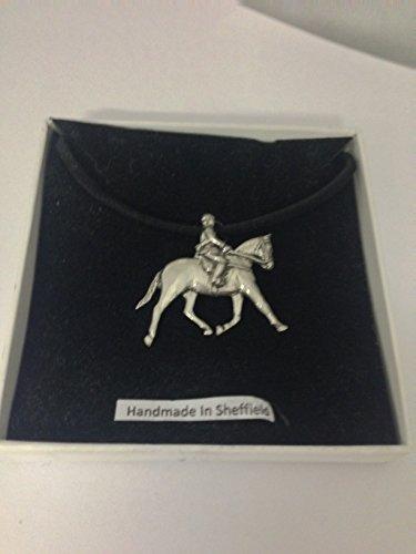 Showpony PP-E02 - Collar de peltre inglés ecuestre con cordón negro, hecho a mano, 41 cm