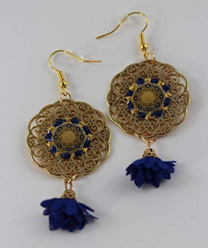 Ohrringe mit Sonne Motiv in Gelb Blau Golden auf filigranen Scheiben und Blüten Quasten, Maya Stil Sonnenscheiben Mandala Boho Ohrhänger, Isla del Sol Glücksbringer Design-Serie