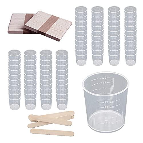 GZjiyu 80 vasos medidores pequeños, de plástico, con 80 varillas de madera para mezclar colores epoxi, resina de laboratorio, cocinar, pintura, accesorios (30 ml)