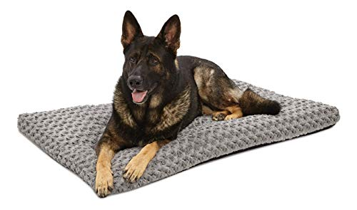 MidWest Homes for Pets Deluxe Dog Beds | Super Plush Dog & Cat Beds Ideal for Dog Crates | Machine Wash & Dryer Friendly, 1-Year Warranty