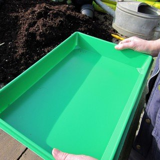 Stabile, grüne Aussaatschale ohne Bodenlöcher - Pikierschale - Pikierkiste