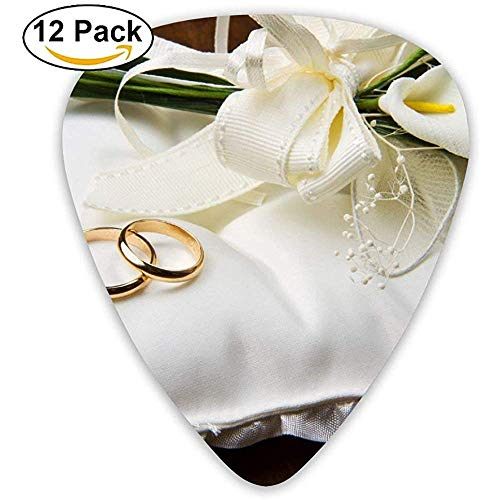 Blumen und Eheringe auf Kissen Guitar Pick 12pack