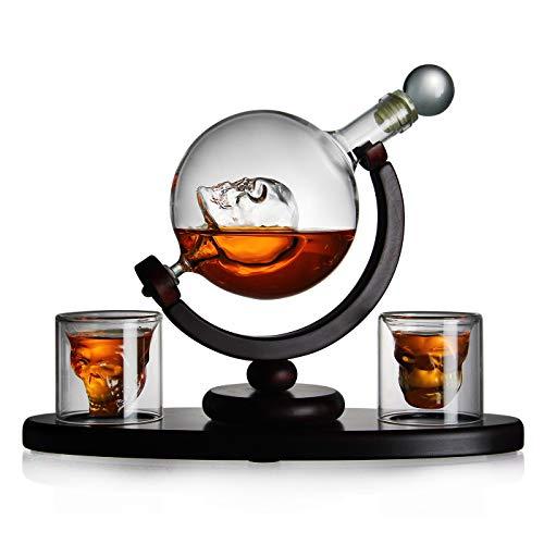 Whisky Set Glaskaraffe mit Totenkopf für Whisky, Absinth-Liebhaber, 2 Totenkopfgläser und Holz-Tablett, Flasche mit luftdichtem Verschluss, Decanter 850ml Handarbeit, Geschenke für Männer