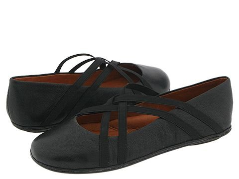 Gentle Souls by Kenneth Cole  Bay Braid (Black/Black) Womens Flat Shoes