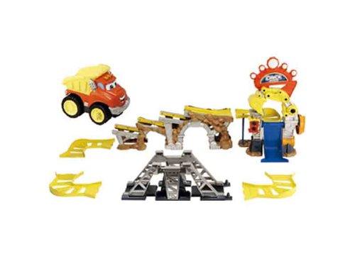 Hasbro - Tonka 94617148 - Chuck & Friends Chuck's Mega-Stunt Spielset