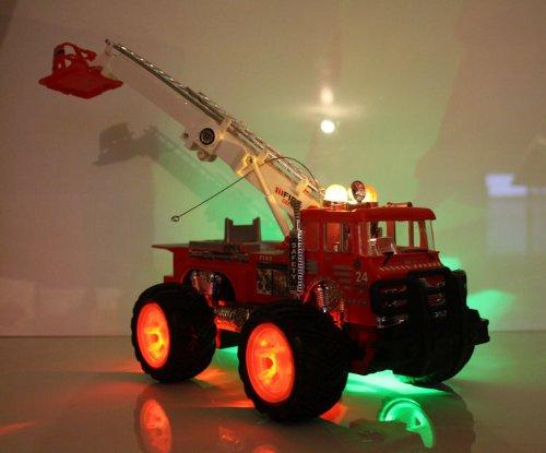 RC Feuerwehr kaufen Feuerwehr Bild 1: Unbekannt RC Feuerwehrauto Fire Fighter Einsatzlicht Sirene Feuerwehr ferngesteuertes Auto mit echtem Einsatzlicht und Sirene - Hammerbeleuchtung*