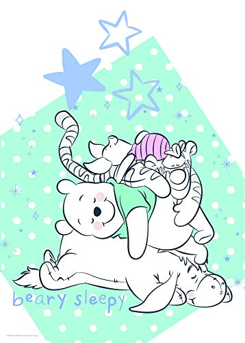 Komar Disney Wandbild Winnie Pooh Beary Sleepy | Kinderzimmer, Babyzimmer, Dekoration, Kunstdruck | ohne Rahmen | WB086-50x70 | Größe: 50 x 70 cm (Breite x Höhe)