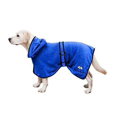 Bella & Balu Hundebademantel aus Mikrofaser + Pfotentuch – Saugfähiger Hunde Bademantel zum Trocknen nach dem Baden, Schwimmen oder Spaziergang im Regen (M | Blau)