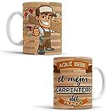 OyC Original y Creativo Taza para Carpintero - Taza Aquí Bebe el Mejor Carpintero del Mundo - Taza Regalo para Carpintero - Taza con Frase y Dibujo (Carpintero)
