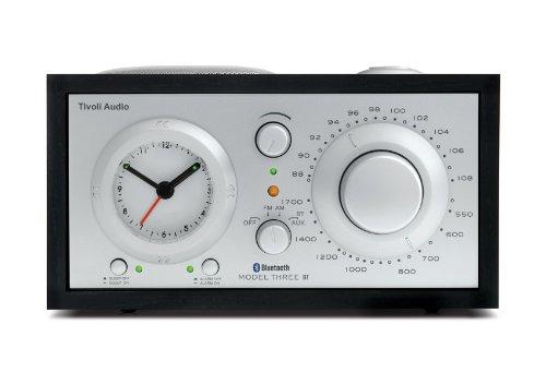 Tivoli Audio Three Bluetooth UKW-/MW-Radiowecker in Schwarz/Silber
