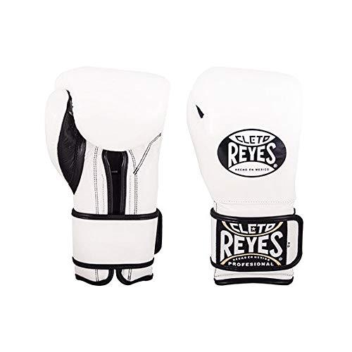 CLETO REYES *Guantes de boxeo de piel envueltos alrededor de Sparring blanco...