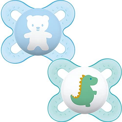 MAM Start Soothers 0-2 Monate (2 Stück) Baby Schnuller mit selbststerilisierendem Reiseetui für Neugeborene, blau/weiß (Designs können variieren)