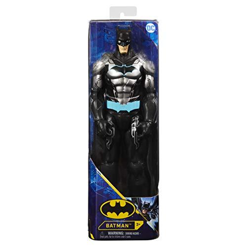 DC Comics Bat-Tech - Figura de acción Bat-Tech de Bat-Tech (Traje Negro/Azul), para niños a Partir de 3 años