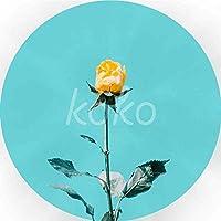 茎に黄色いバラ ぶら下がっている木製のプラークハウスウェルカムサイン個々の円形レトロアートペインティングとひもプラークレコードペインティング
