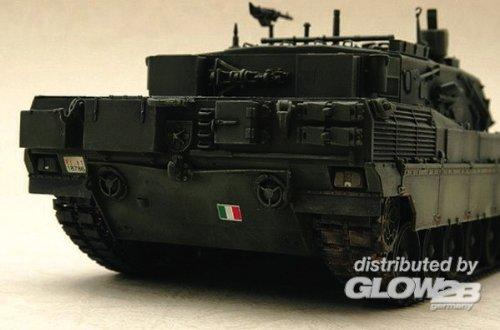 トランペッター 1/35 イタリア陸軍 アリエテ C1 00332 プラモデル