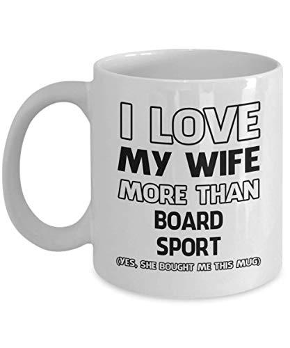 Taza deportiva con texto en inglés 'I Love My Wife More Than - Divertida taza de café y té de cerámica para hombres o mujeres con caja de regalo