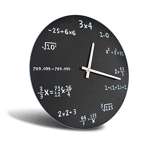 Mathematiker Uhr mit Rechenaufgaben
