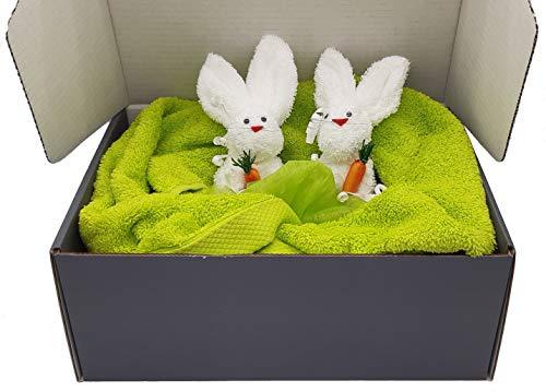 Frotteebox Geschenk Box Ostern 4-teilig mit Hasenpaar im Nest in Handarbeit geformt aus 2X Waschhandschuh weiß mit Handtuch und Duschtuch Kiwi-grün