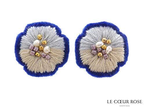 刺繍糸お花モチーフのネジバネ式イヤリング フラワー 浴衣 夏祭りブルー