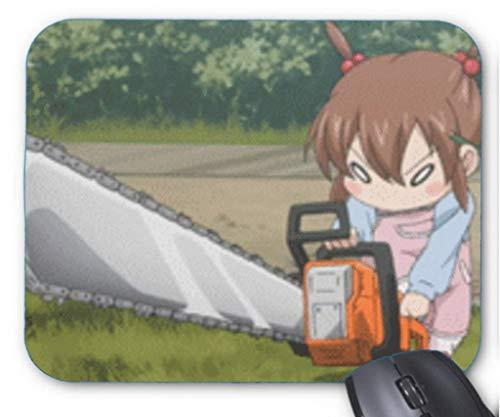Mousepad Cartoon Nettes kleines Mädchen sieht wild aus und hält eine Kettensäge rutschfeste Mausmatte