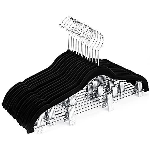 HOUSE DAY Perchas de Falda de Terciopelo 24 Paquete de Perchas de Terciopelo con Clips Clips Ultra Finos de Terciopelo Antideslizantes Perchas Percha Ahorro de Espacio Percha Negro